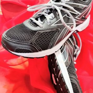25. REEBOK  QUICKCHASE Male Running Shoes